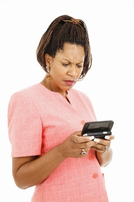 Why Do Guys Send Text Messages To Keep In Touch While Dating?