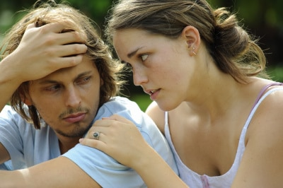 woman trying to make peace with her man