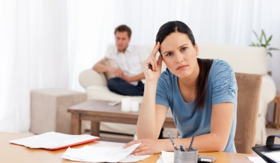 wife thinking about divorce because of a high gap in salary with husband