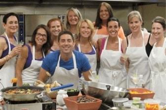 Evan Marc Katz with the Love U community in the kitchen